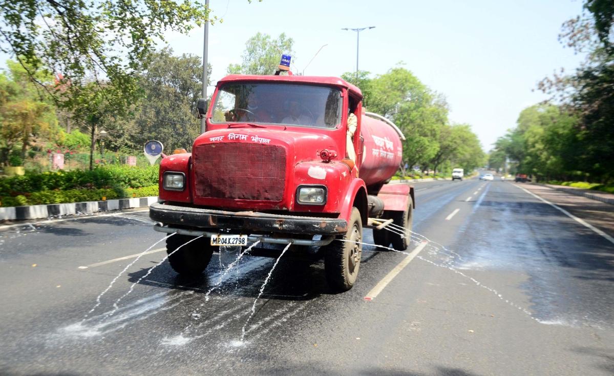 Coronavirus news from Bhopal: Bhopal Municpal Corporation sanitises colonies, roads