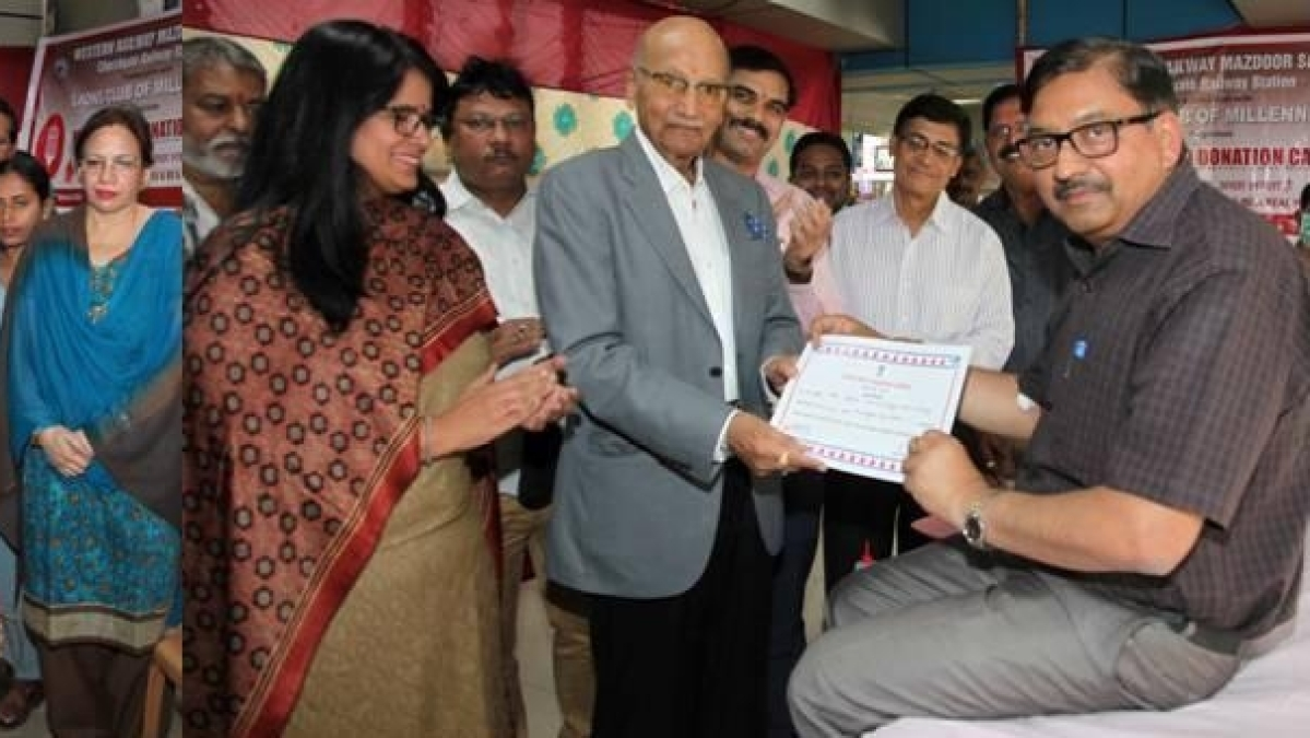 W Rly Mazdoor Sangh, Jagjivan Ram Hospital conduct blood donation drive at Churchgate Station