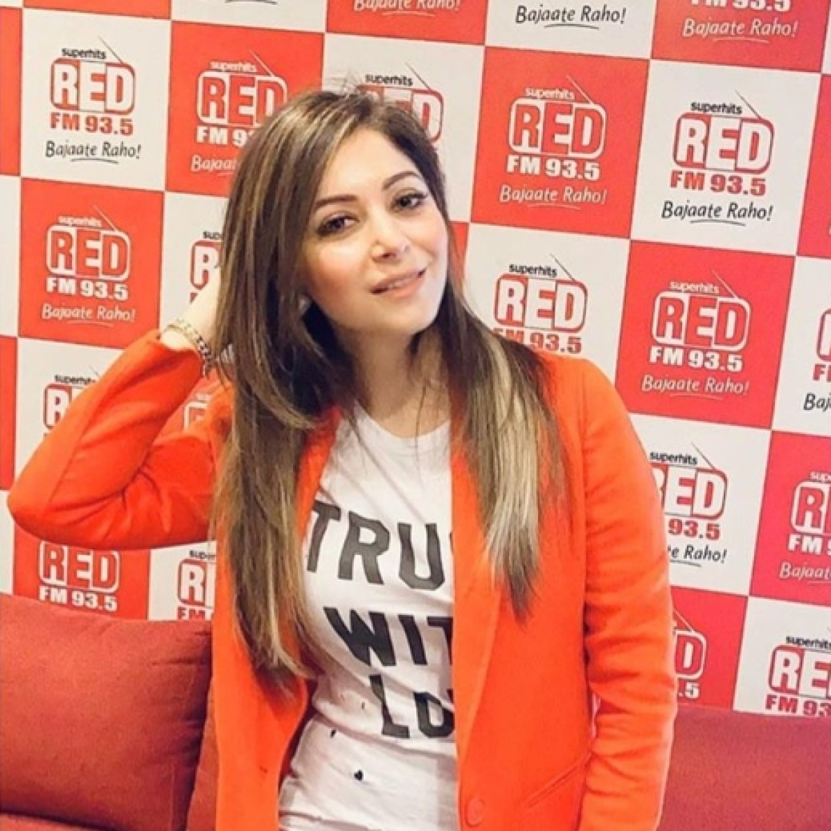 Kanika Kapoor offers to donate her blood and plasma for coronavirus treatment