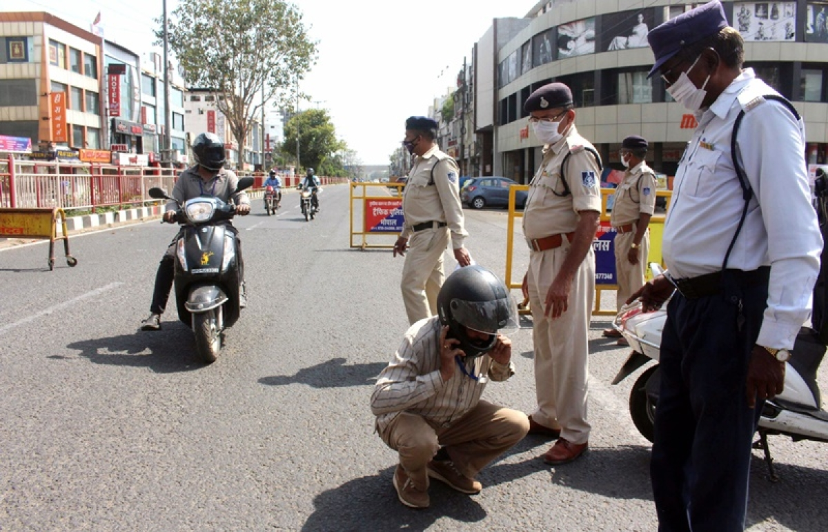 Cops had caught those violating the lockdown order in Indore