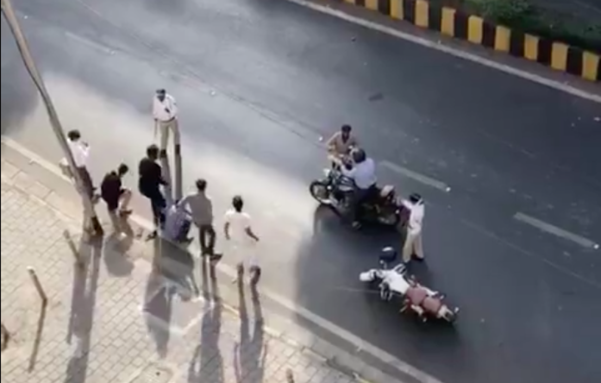 A screenshot of the Mumbai police in action