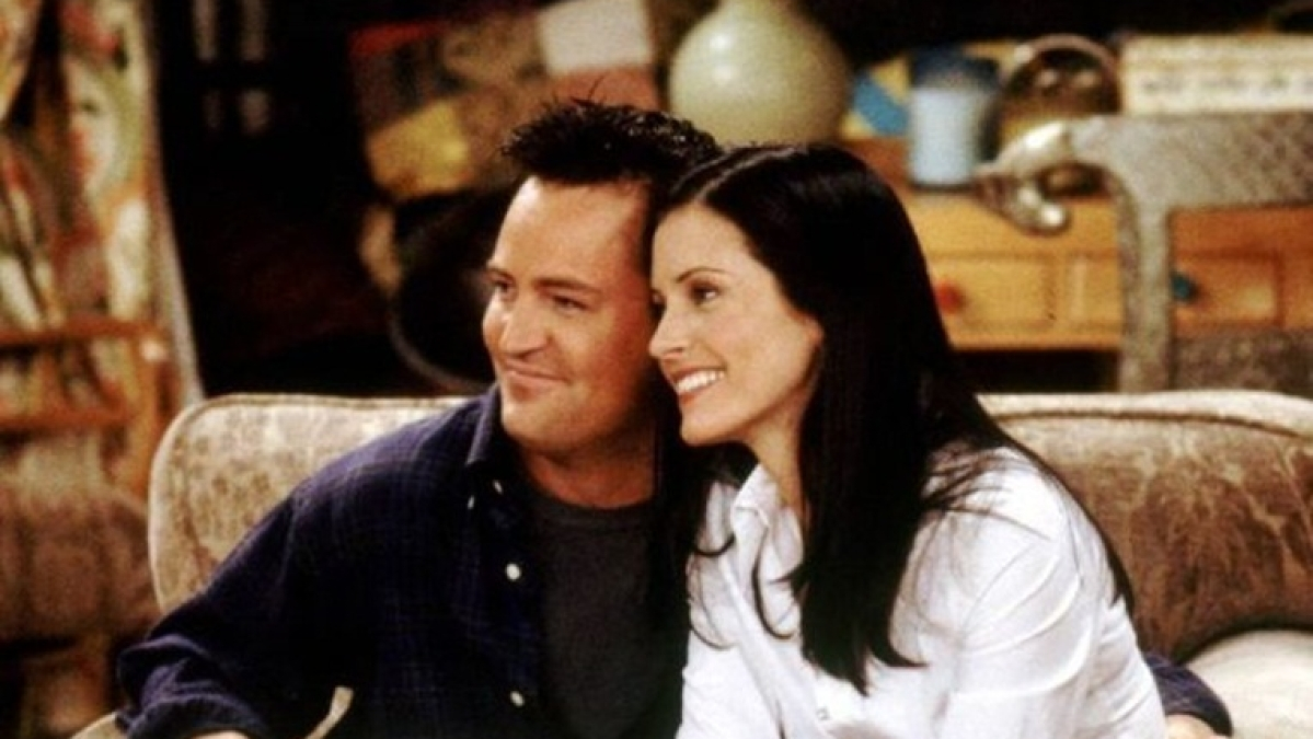 Watch: Courteney Cox shares video amid social distancing, but Matthew Perry's 'Chandler' style comment steals the thunder