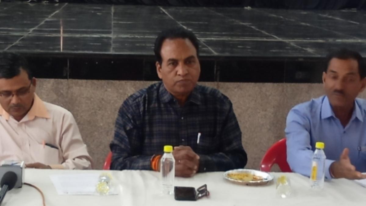 Ujjain: Bharatiya Railway Mazdoor Sangh condemns privatisation, corporatisation of railways