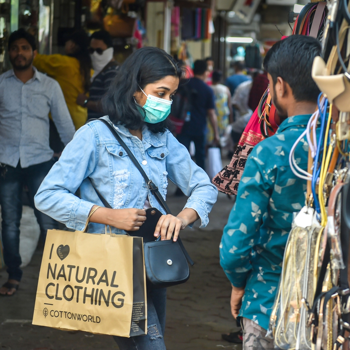 Indore: Traders want shops to open 5-days a week