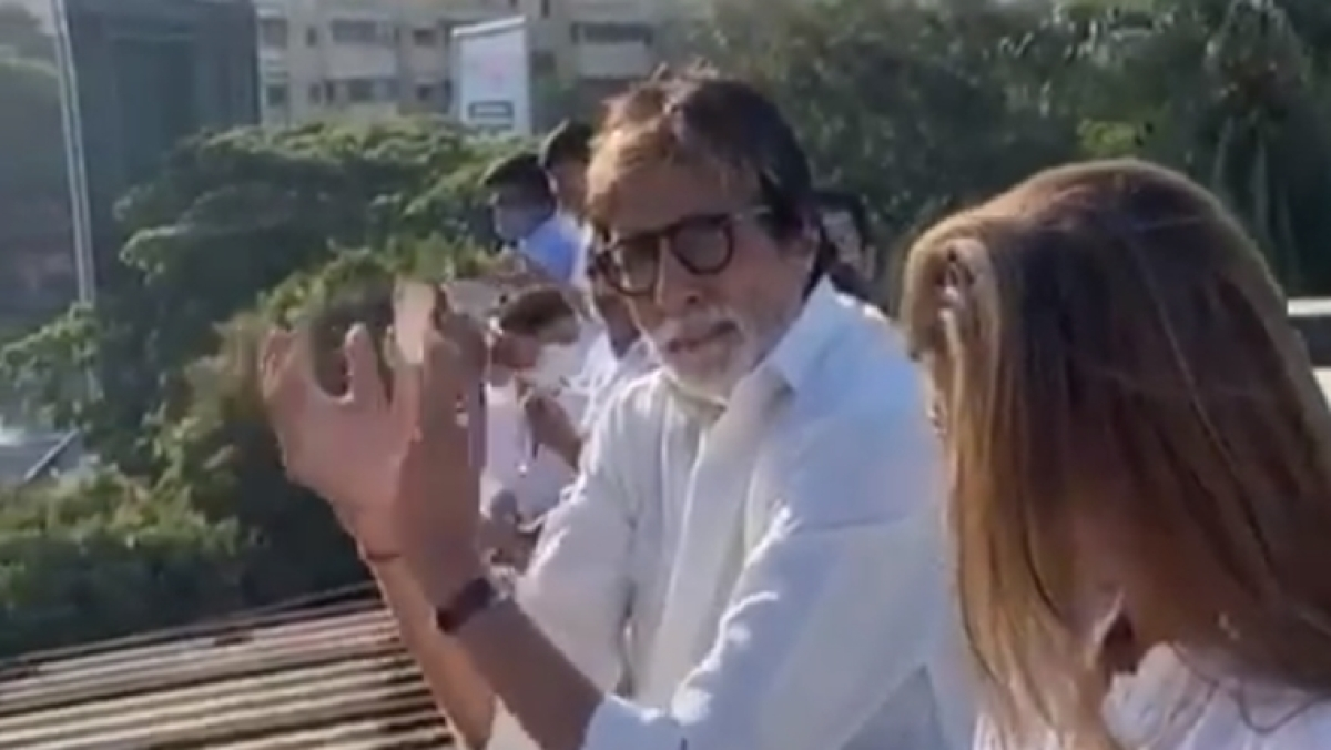 Amitabh Bachchan shares misinformation about coronavirus, clapping shankh reduces viral potency