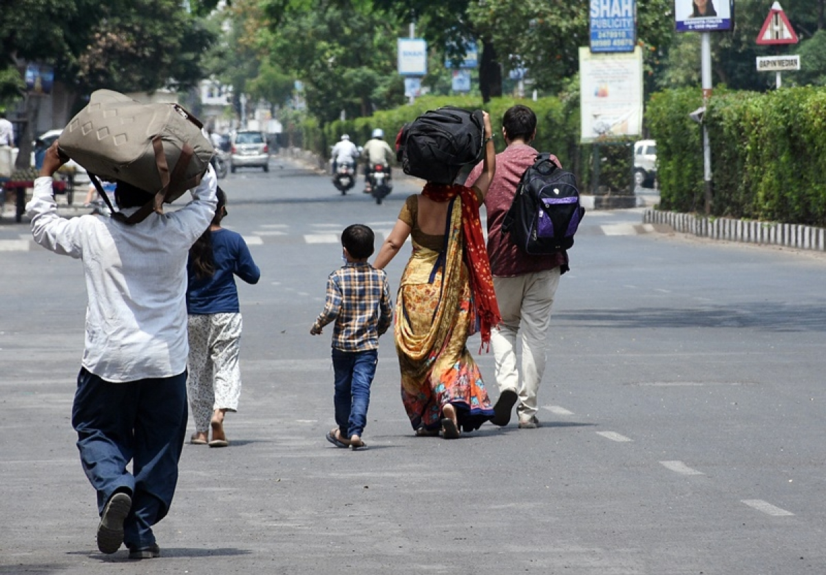 Coronavirus news in Madhya Pradesh: Youth cover 250 km on foot, reach Bhikangaon