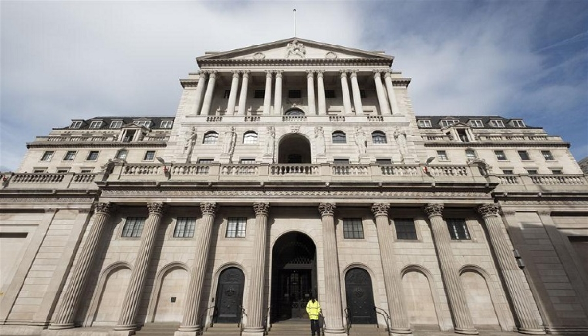 Photo taken on March 17, 2020 shows the Bank of England in London, Britain. The British government will provide 330 billion pounds (about 399 billion U.S. dollars) of loans to businesses to support firms to get through the difficult moments as the coronavirus outbreak escalates in the country, said the Chancellor of the Exchequer Rishi Sunak on Tuesday.