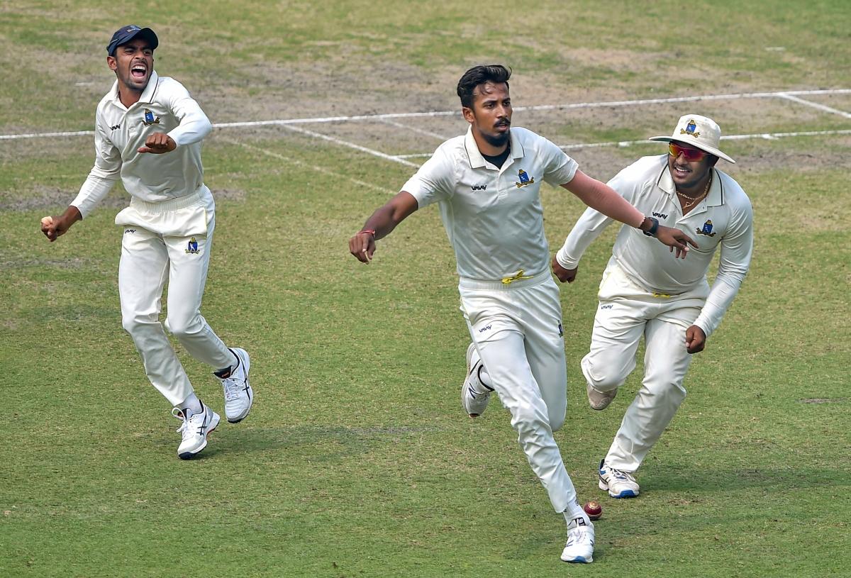 RANJI: Porel takes five for Bengal; Saurashtra in command against Gujarat