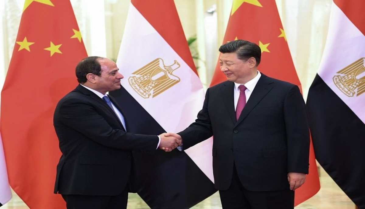 File picture shows Chinese President Xi Jinping (R) meeting with Egyptian President Abdel-Fattah al-Sisi at the Second Belt and Road Forum for International Cooperation, in Beijing, capital of China, April 25, 2019.