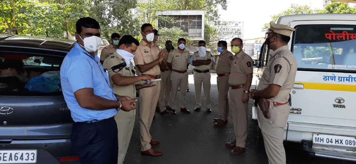 Thane rural police team on Janata Curfew day.