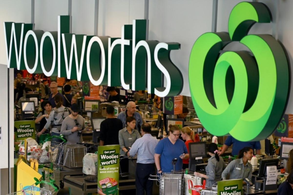 Coronavirus outbreak: 'Elderly hour' in Australian stores
