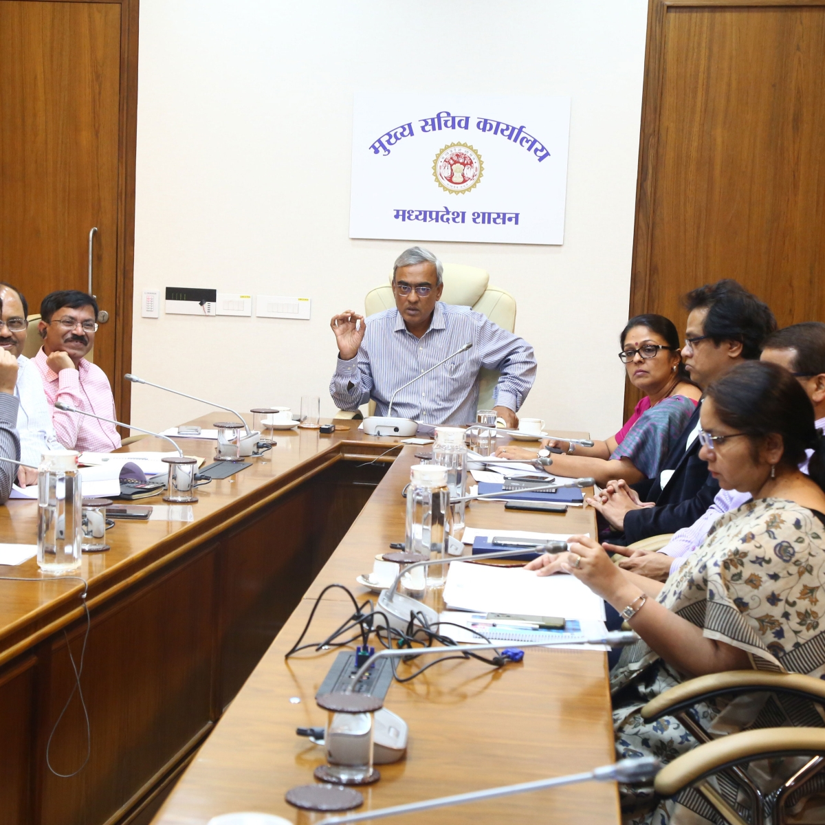 Ensure medical checkups of people coming from abroad: MP Chief Secretary to collectors