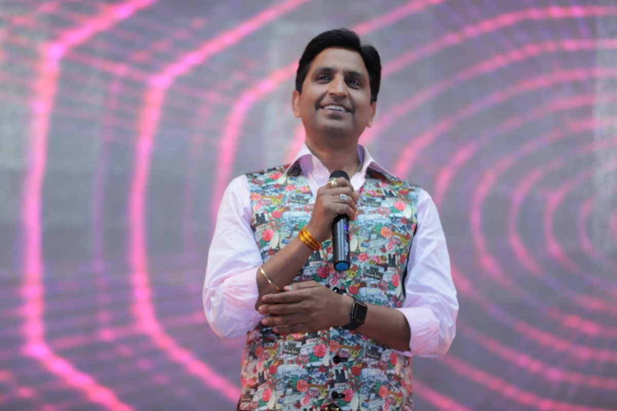 'Either they don't know social distancing or they don't take Modi seriously': Kumar Vishvas trolls Shivraj and Co