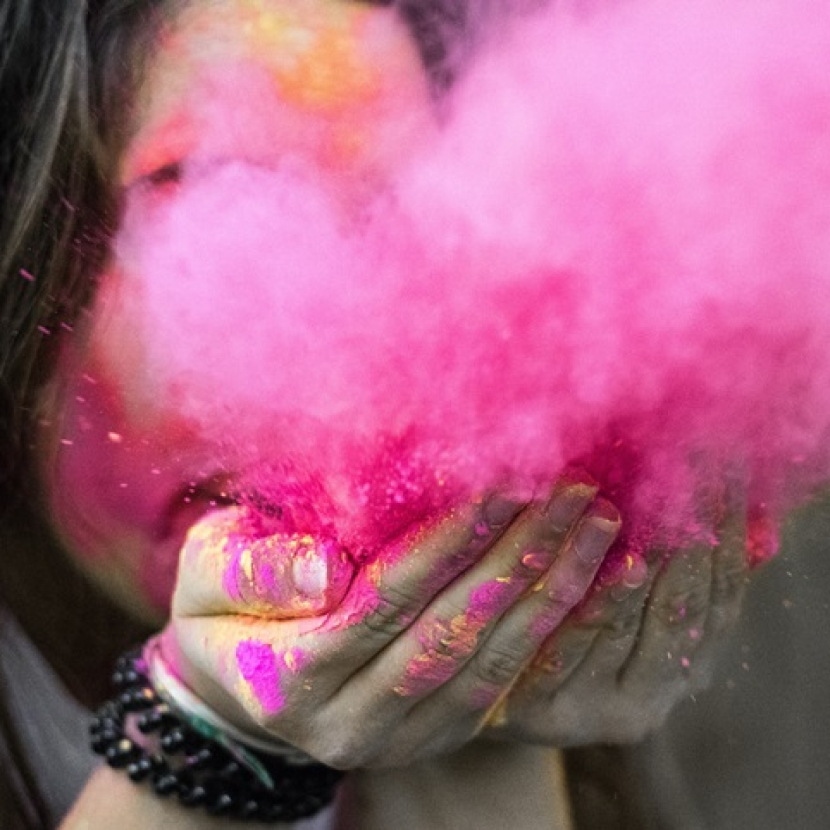 Holi 2020: Special wishes, quotes and messages to share with friends and family