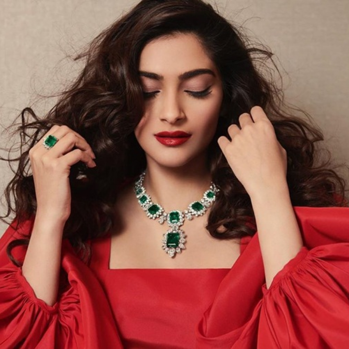 'Papa ki pari wakes up, googles for a quote...': Sonam Kapoor gets brutally trolled for 'Be on the right side of history' tweet