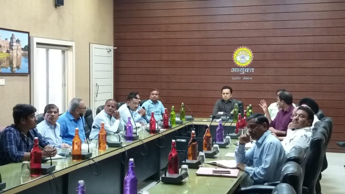 Divisional commissioner Akash Tripathi at meeting.