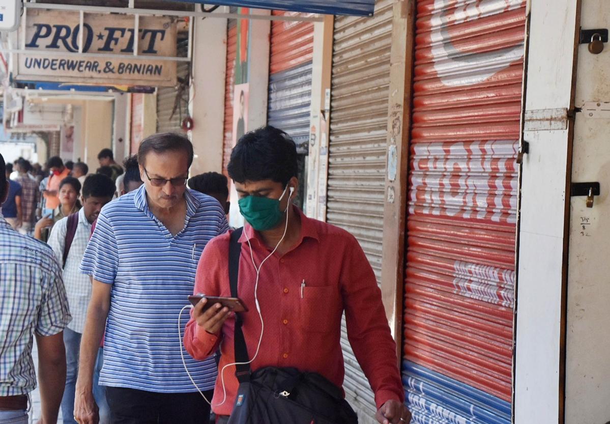 Coronavirus in Navi Mumbai: Full list of shops closed including Belapur food kiosks, Vashi station, APMC and more