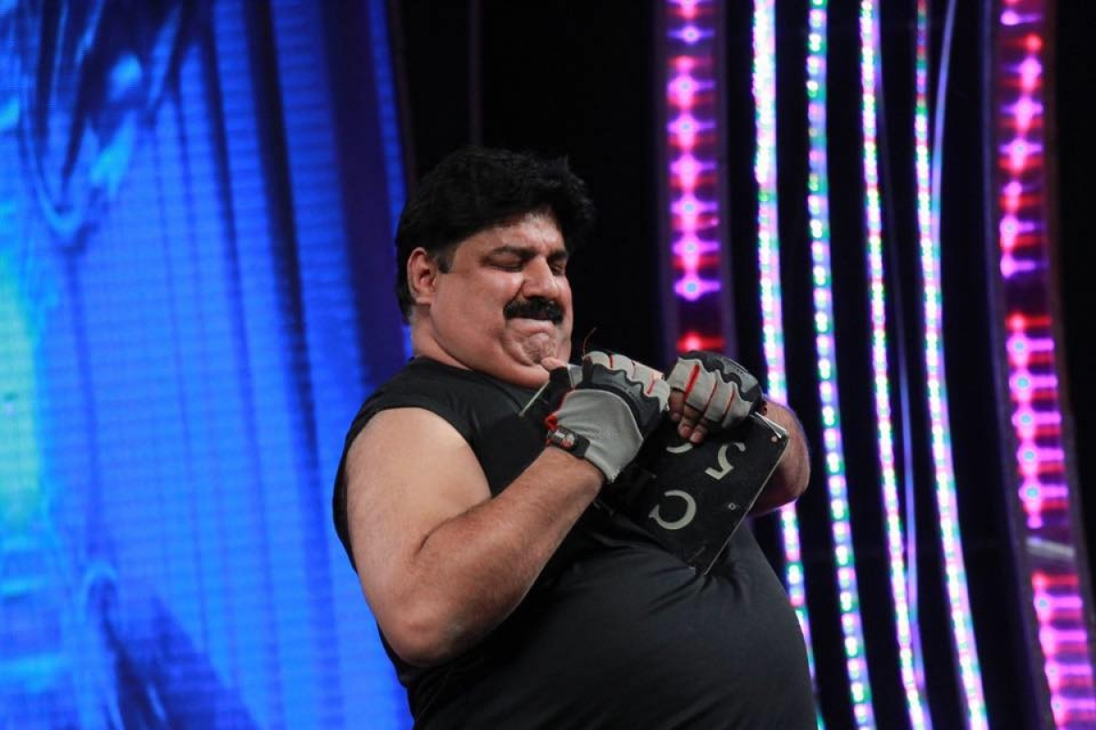 Coronavirus Lockdown: Manoj Chopra, Asia's strongest man sweats it out at home