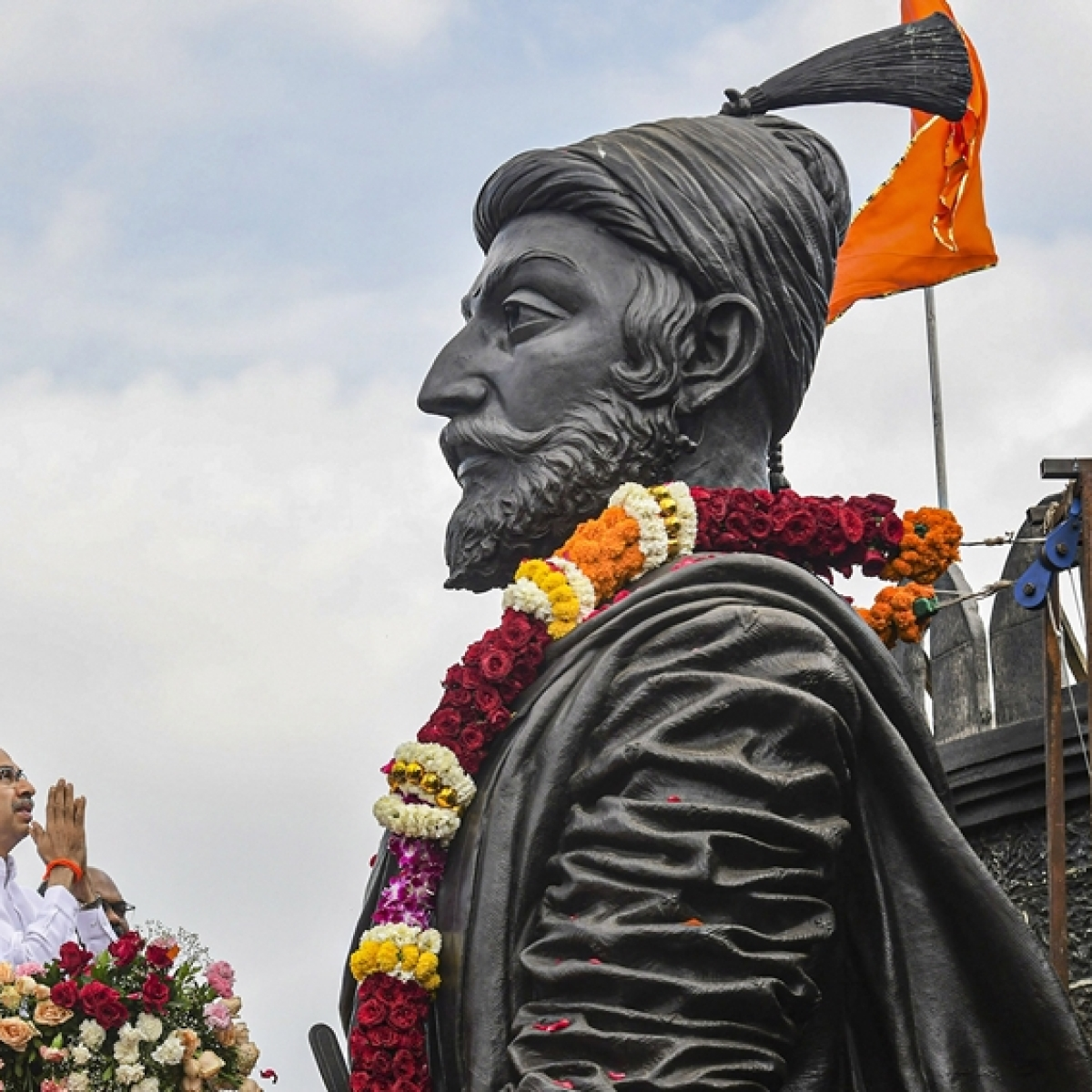 Maha CM Uddhav Thackeray pays tribute to Chhatrapati Shivaji on anniversary day