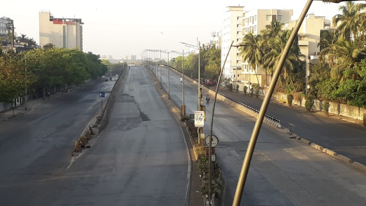 No vehicular traffic was on Vileparle western express highway after Janta curfew commenced.