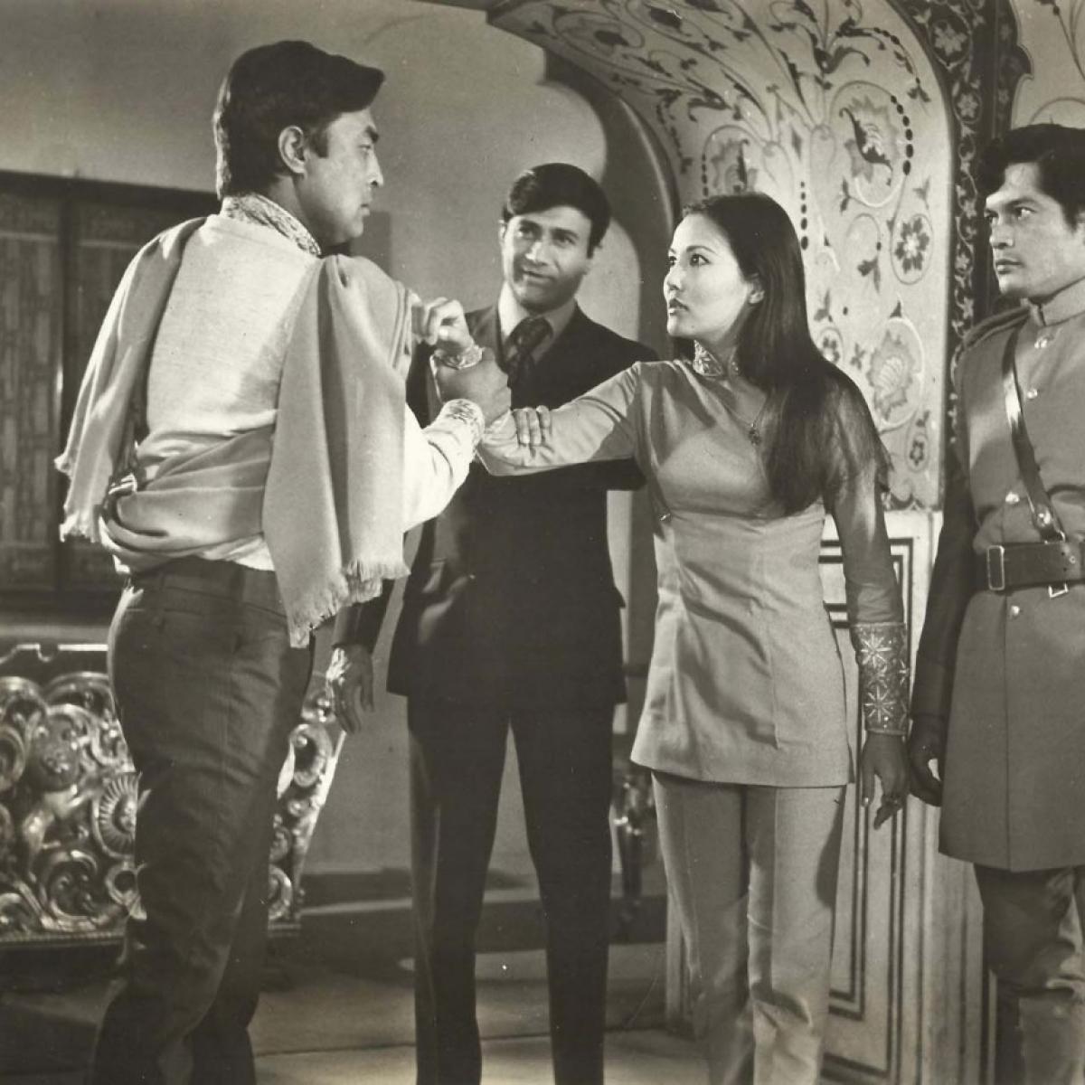 When Dev Anand, Zeenat Aman acted in  English film