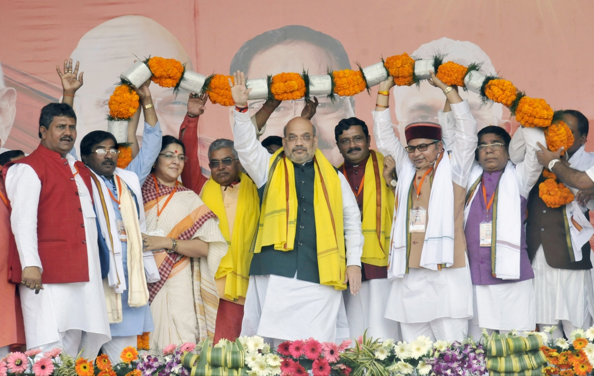 After 'goli maaron...' slogans from supporters, Amit Shah announces new number 9727294294 for refugees to support CAA