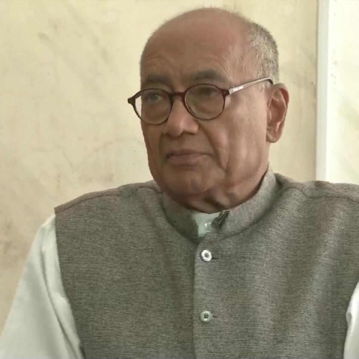 Digvijaya Singh announces hunger strike after he was taken in custody by Bengaluru police