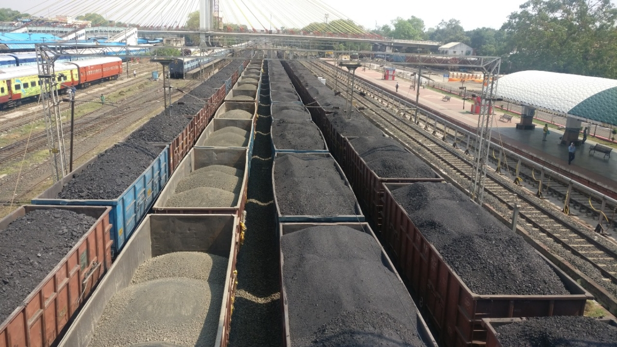 Central Rly works 24/7 to ensure the uninterrupted supply of essential commodities and coal