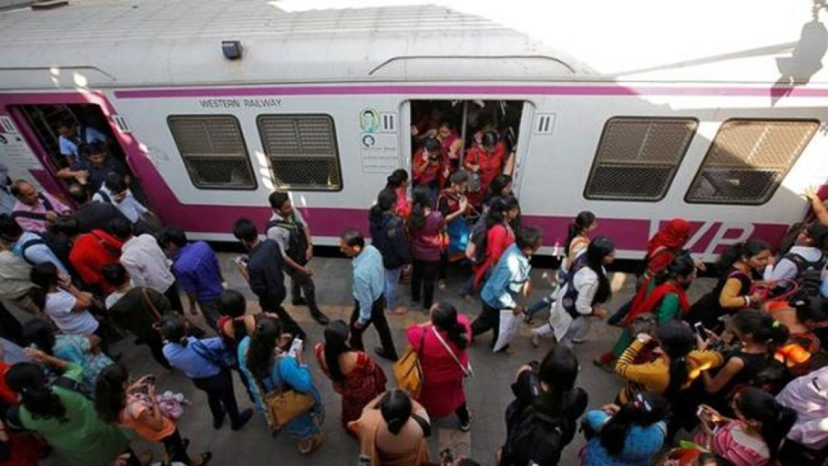 Mumbai Local Train: 17,000 men caught for travelling in ladies' coaches on Western Railway