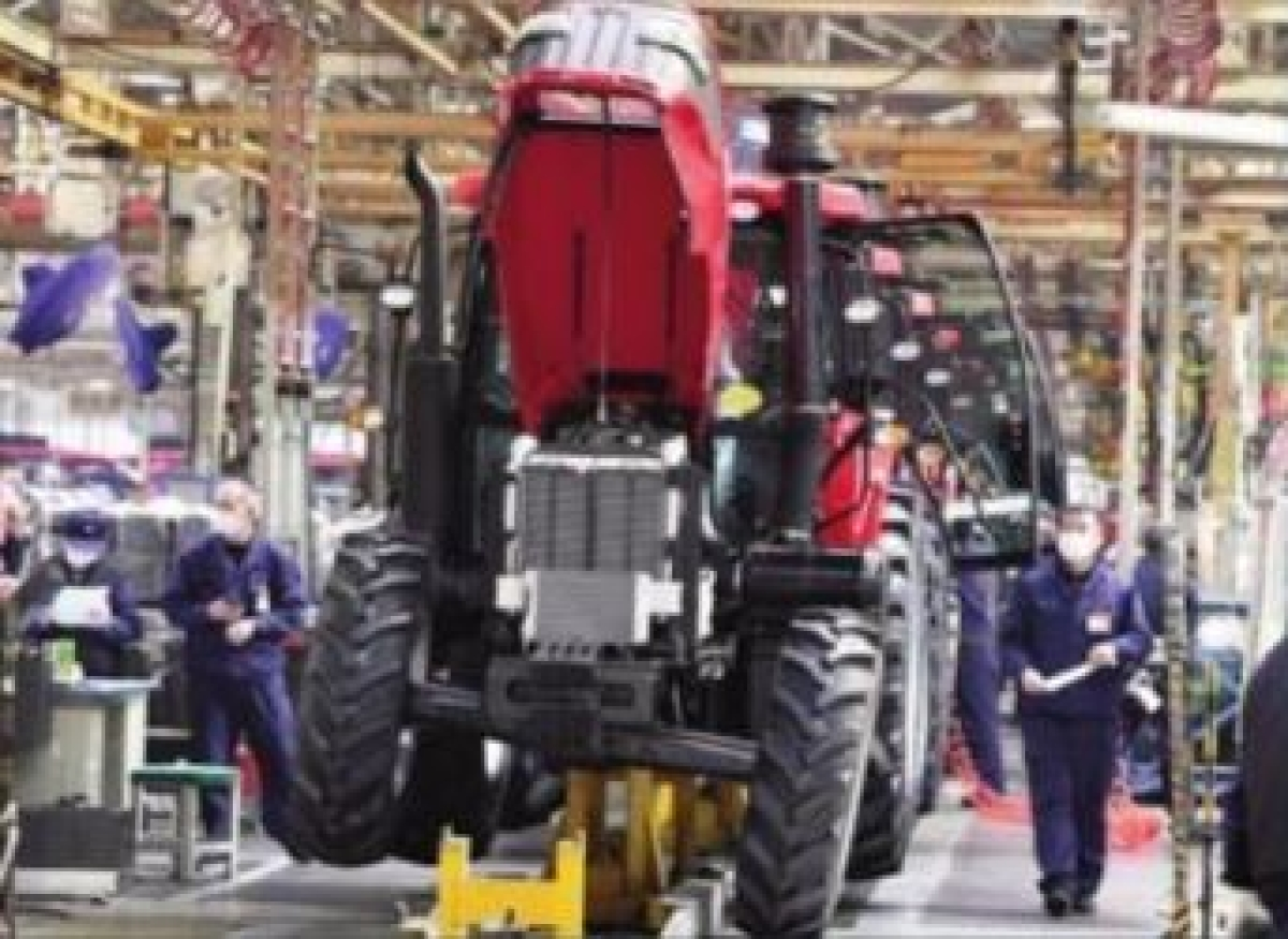 Industrial production shrinks 1.9 pc in Nov; enters negative zone after 2 months