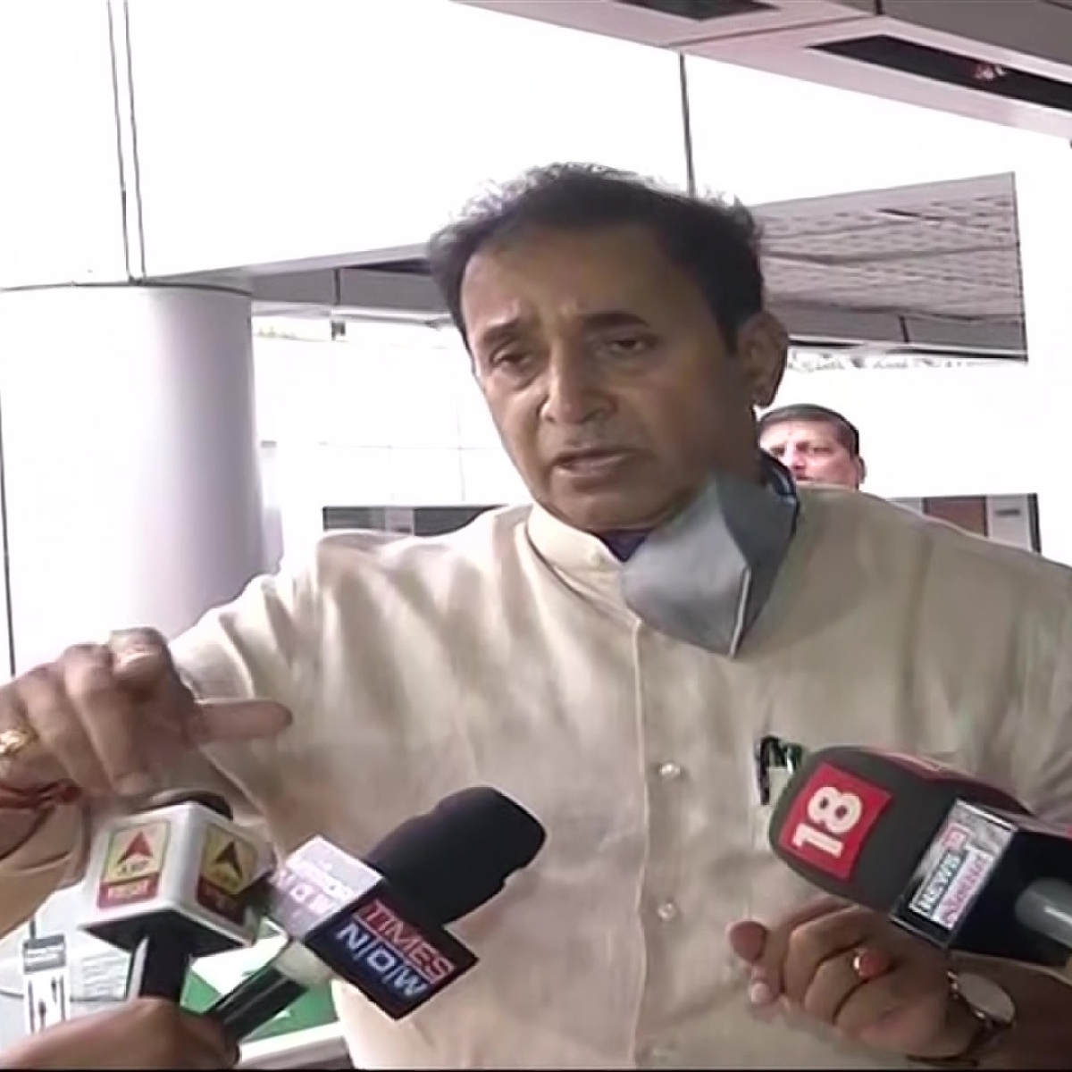 Mumbai: State home minister seeks release of around 11,000 undertrials