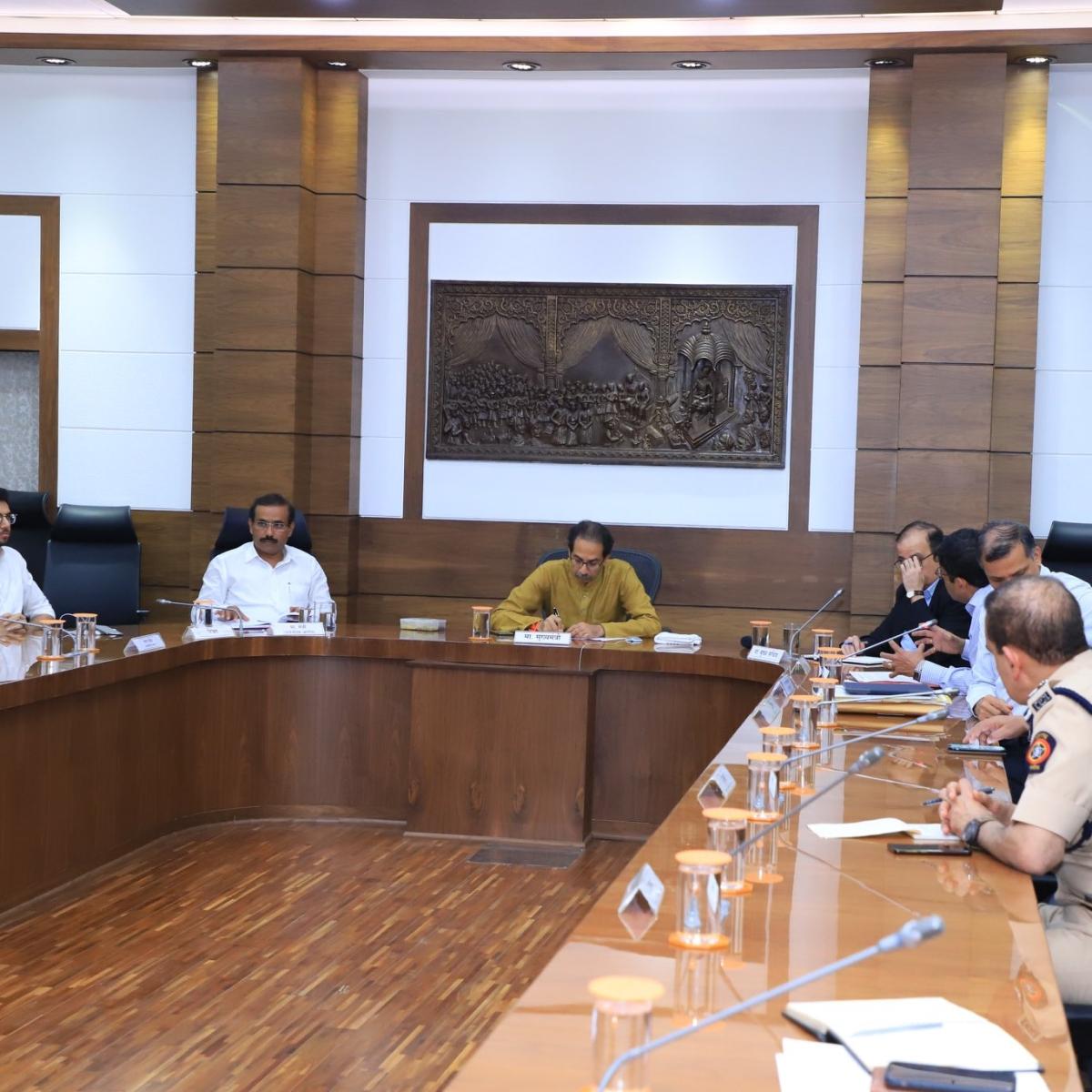 Coronavirus update in Maharashtra: Uddhav Thackeray, Labour Commissioner bat for contract and casual workers amid coronavirus restrictions