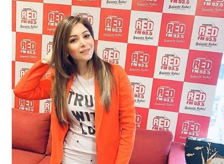Singer Kanika Kapoor flouted quarantine advised at Mumbai ...