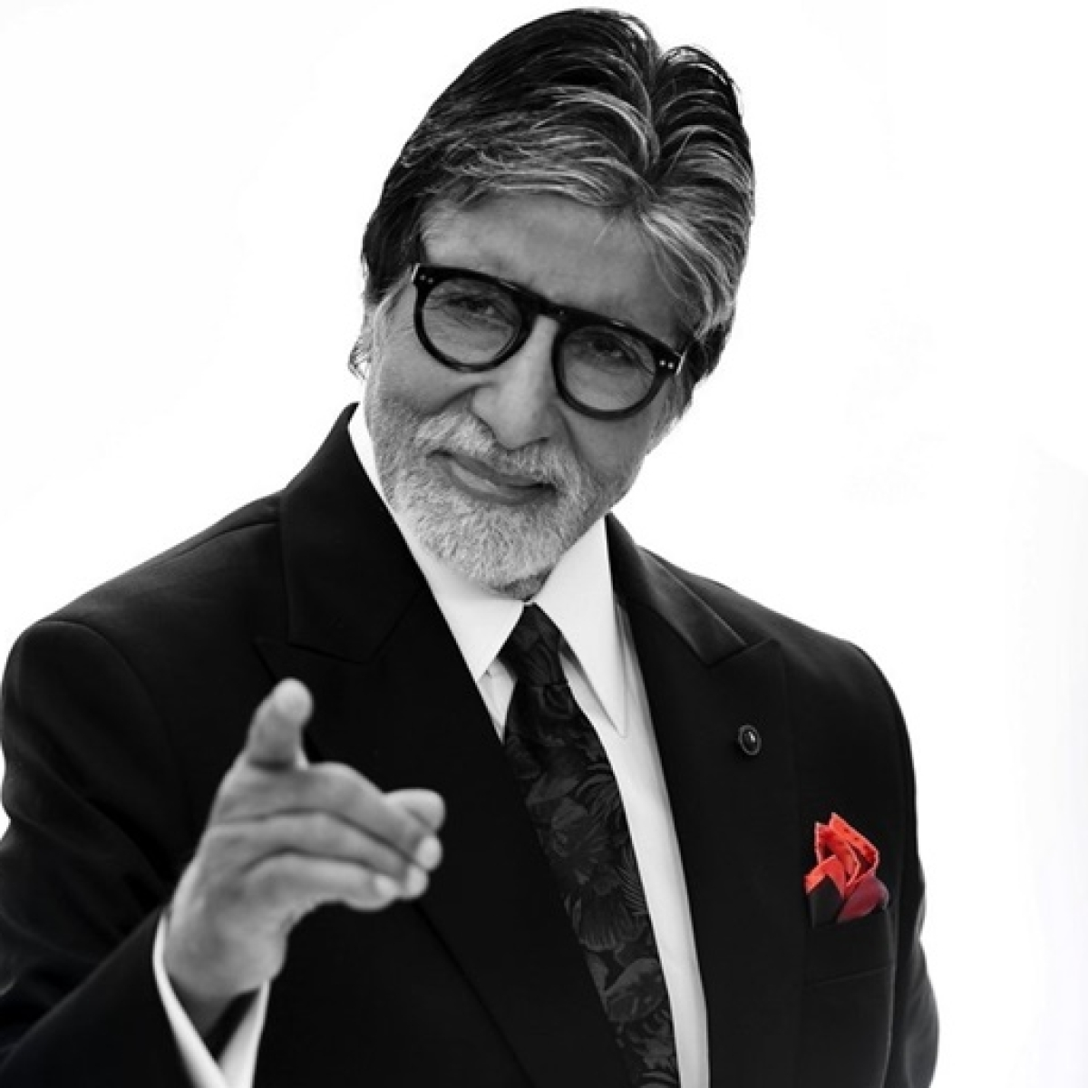 Big B lampooned for his old tweets