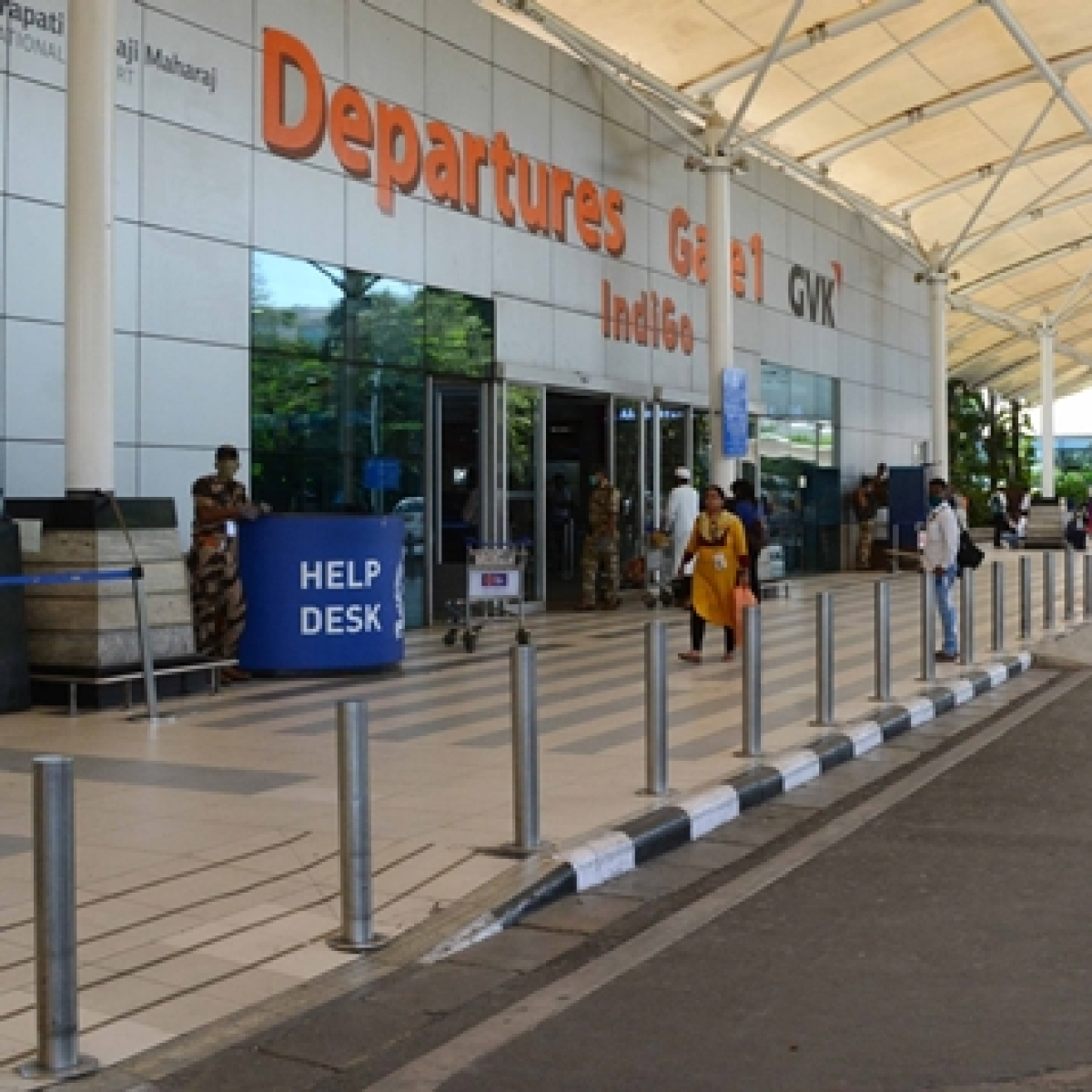 After leasing out six airports under PPP, AAI to earn Rs 904 crore for the year 2020-21 as against estimated profit of Rs 530 crore