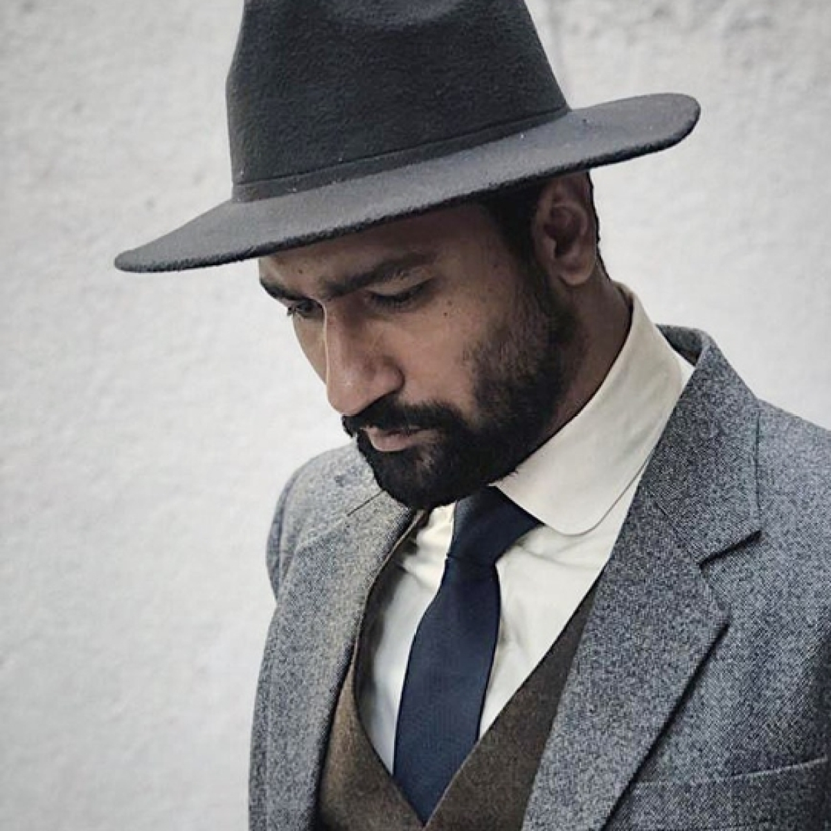 After Ranveer Singh and Farhan Akhtar, Vicky Kaushal faces coronavirus effect, deets inside