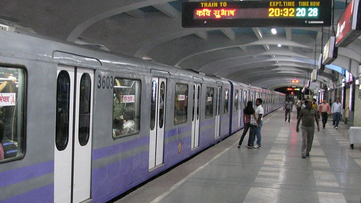 Coronavirus update in India: Kolkata Metro, suburban trains to be cancelled from Monday