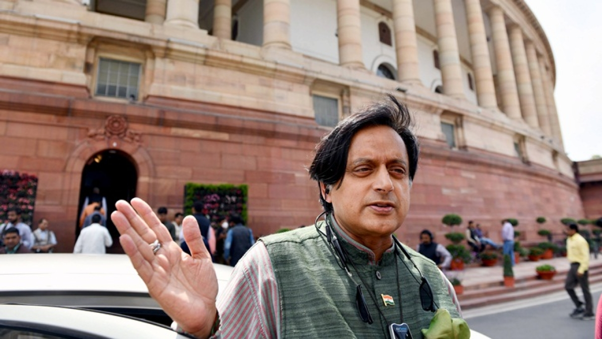 'Coronavirus carriers may still be coming in...': Shashi Tharoor advocates for adjournment as Parliament begins thermal scans