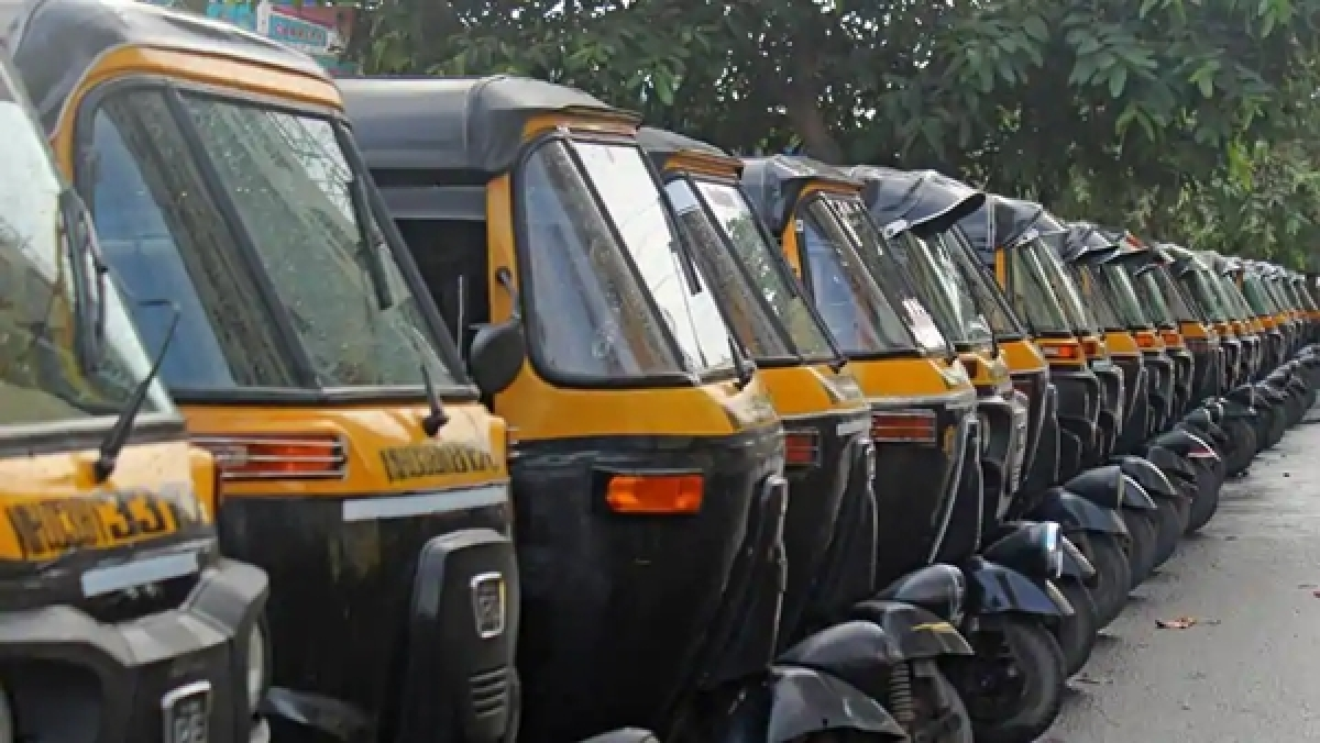 Thane: Women auto-rickshaw drivers come forward to help citizens in emergency; check out contact details here