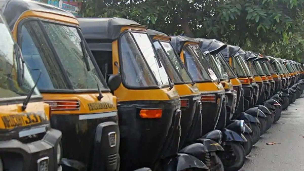 Coronavirus in Mumbai: Autos to keep passenger logs