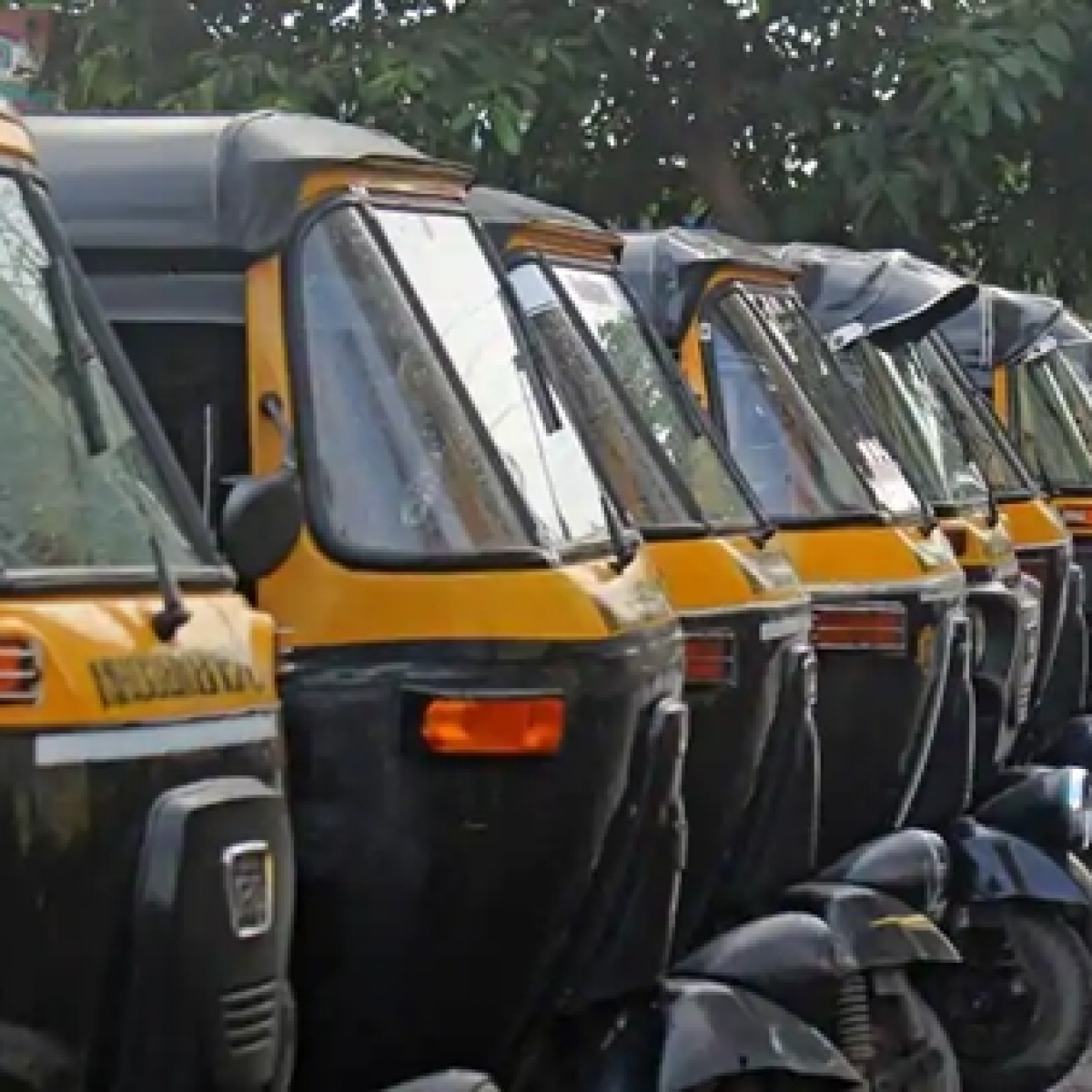 Coronavirus in Mumbai: Autos to keep passenger logs