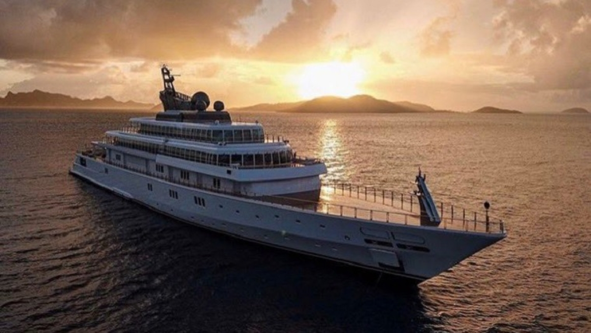 'Makes me wish for a tsunami': Netizens outraged after billionaire David Geffen posts photos of isolation aboard luxury yacht