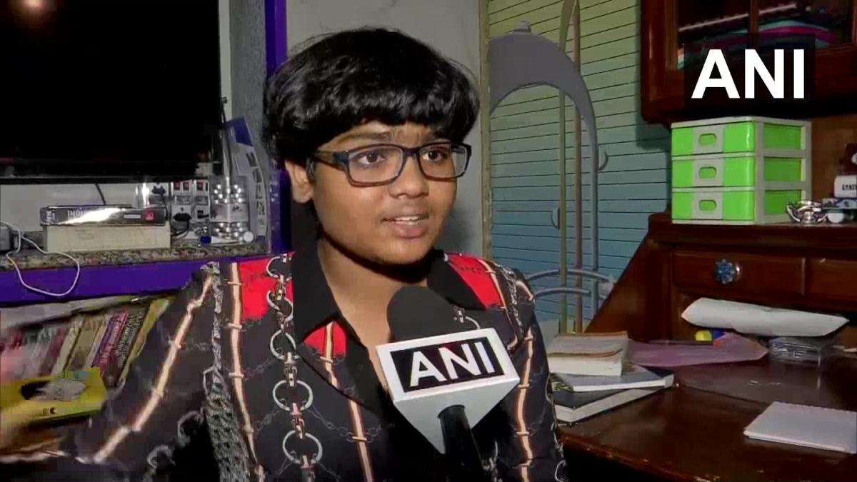 'Want to live in India, you need to learn Marathi': Shiv Sena workers threaten Bravery Awardee Zen Sadavarte