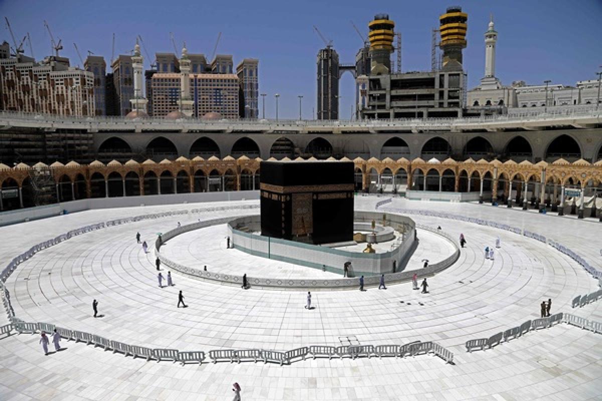 Saudi Arabia imposes 24-hour curfew on Mecca, Medina