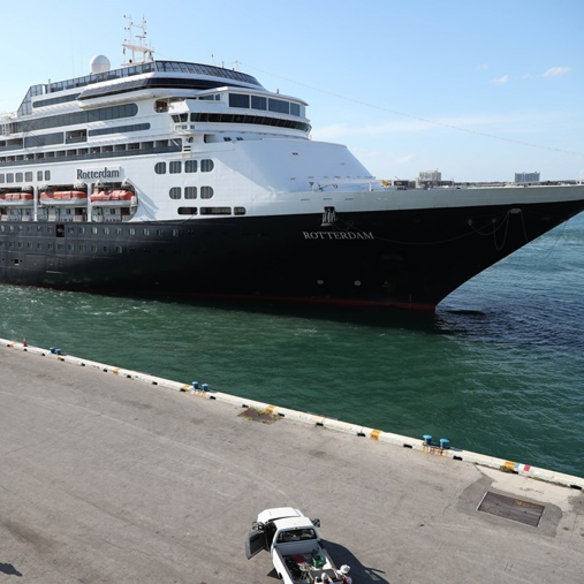 Coronavirus-stricken cruise ships allowed to dock in Florida