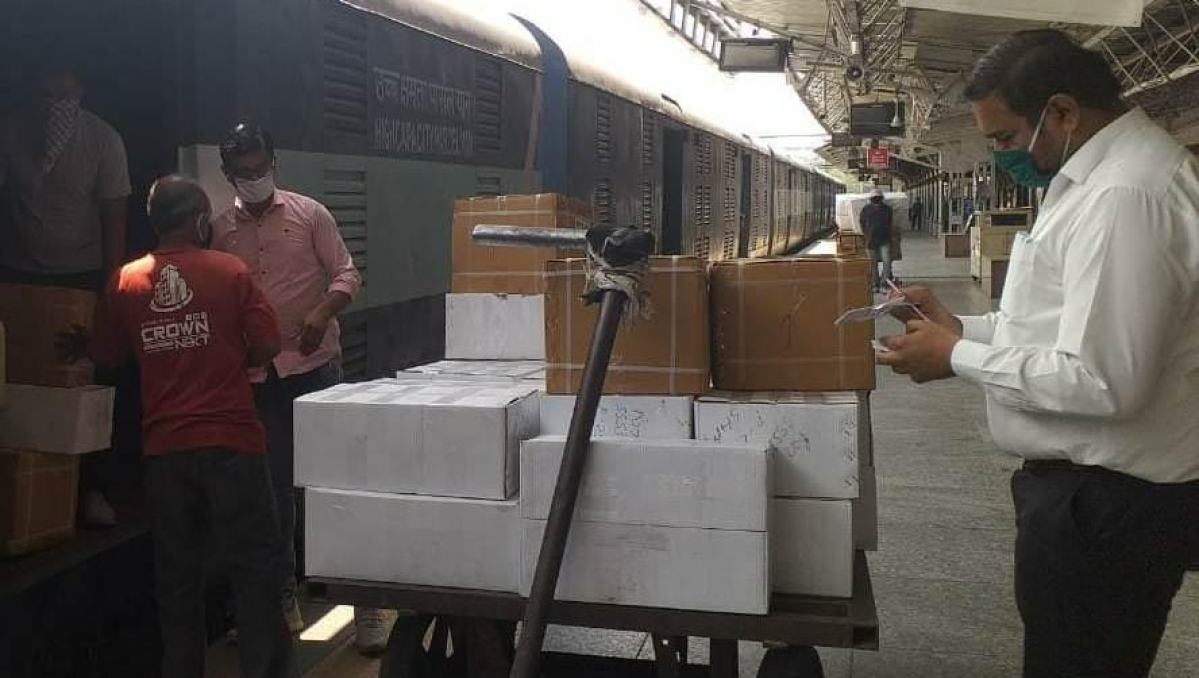 W. Rly reaches out to the needy, 15,500 packages of medical supplies transported until now
