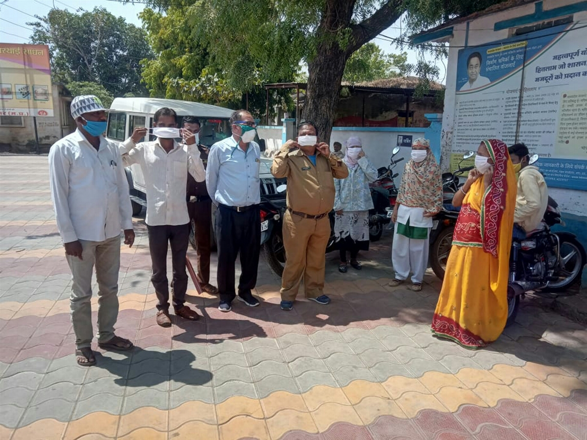 Madhya Pradesh: Women self-help groups in Gandhwani make 35K masks in 13 days