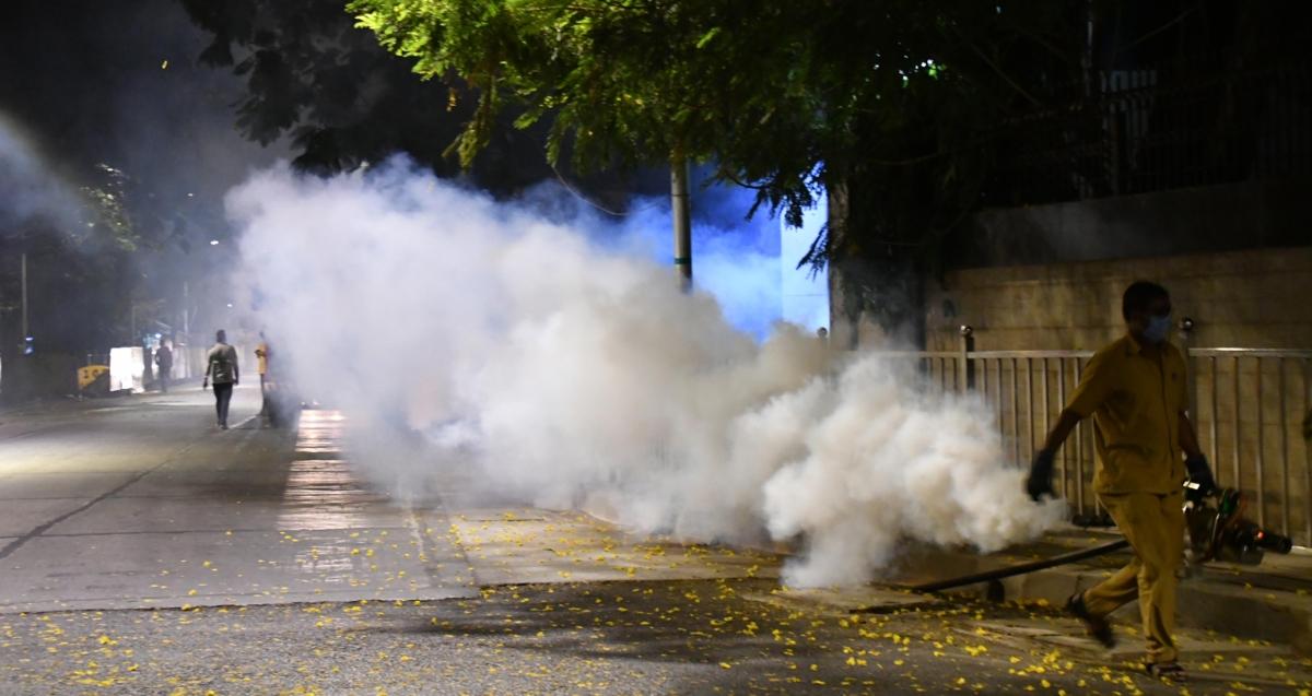 BMC sanitises area around Uddhav Thackeray's residence Matoshree after tea seller tests COVID-19 positive, view pics