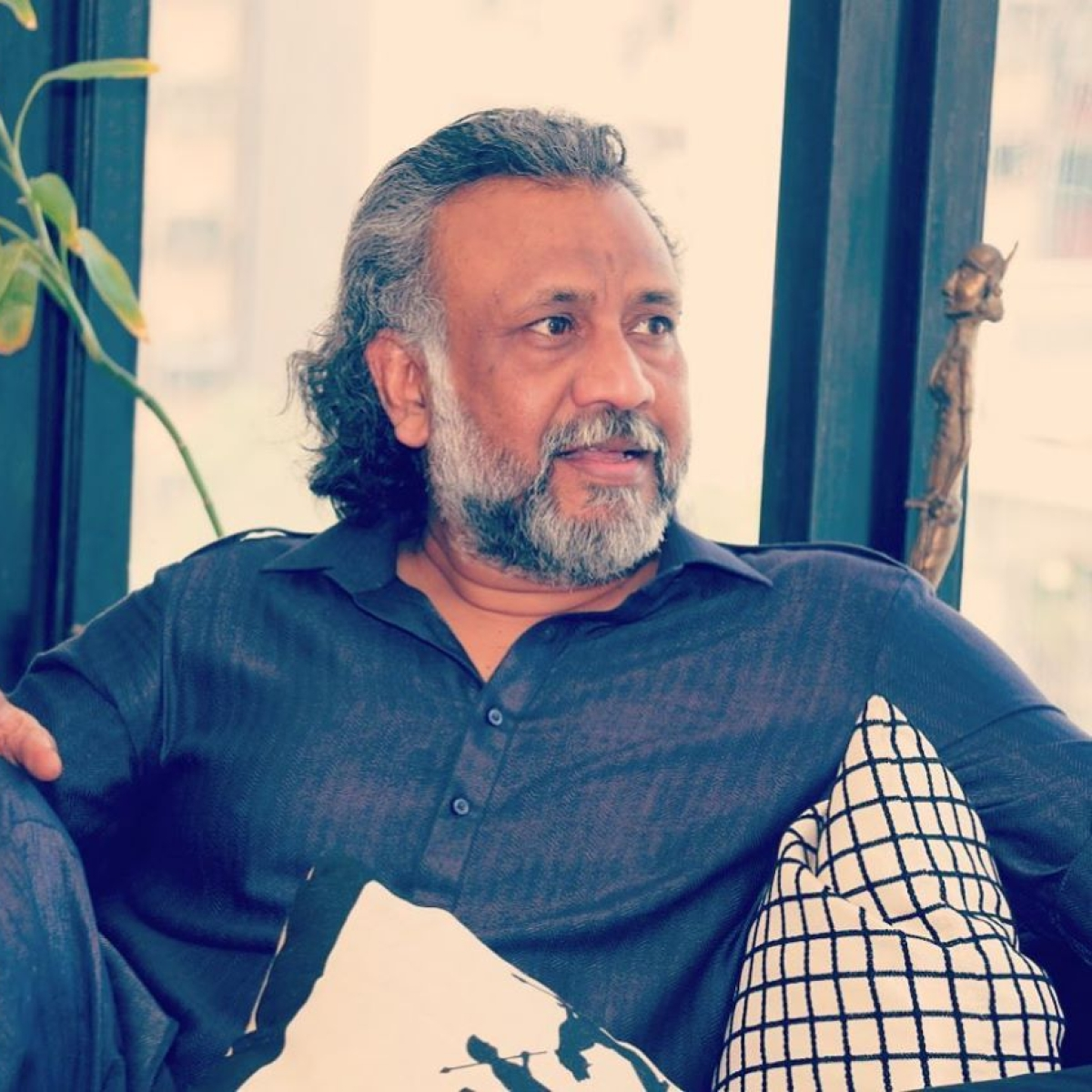 'Thappad' director Anubhav Sinha raises doubts about attack on Arnab Goswami