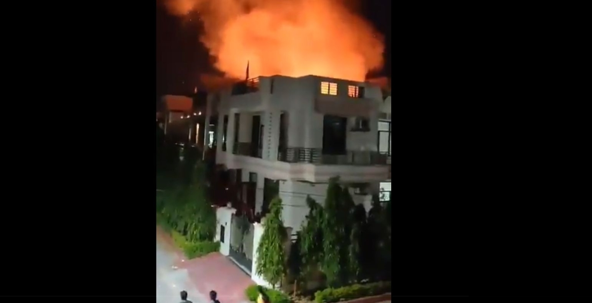 Watch: Hut and house catches fire in Jaipur during PM Modi's 9 Baje 9 Minute event
